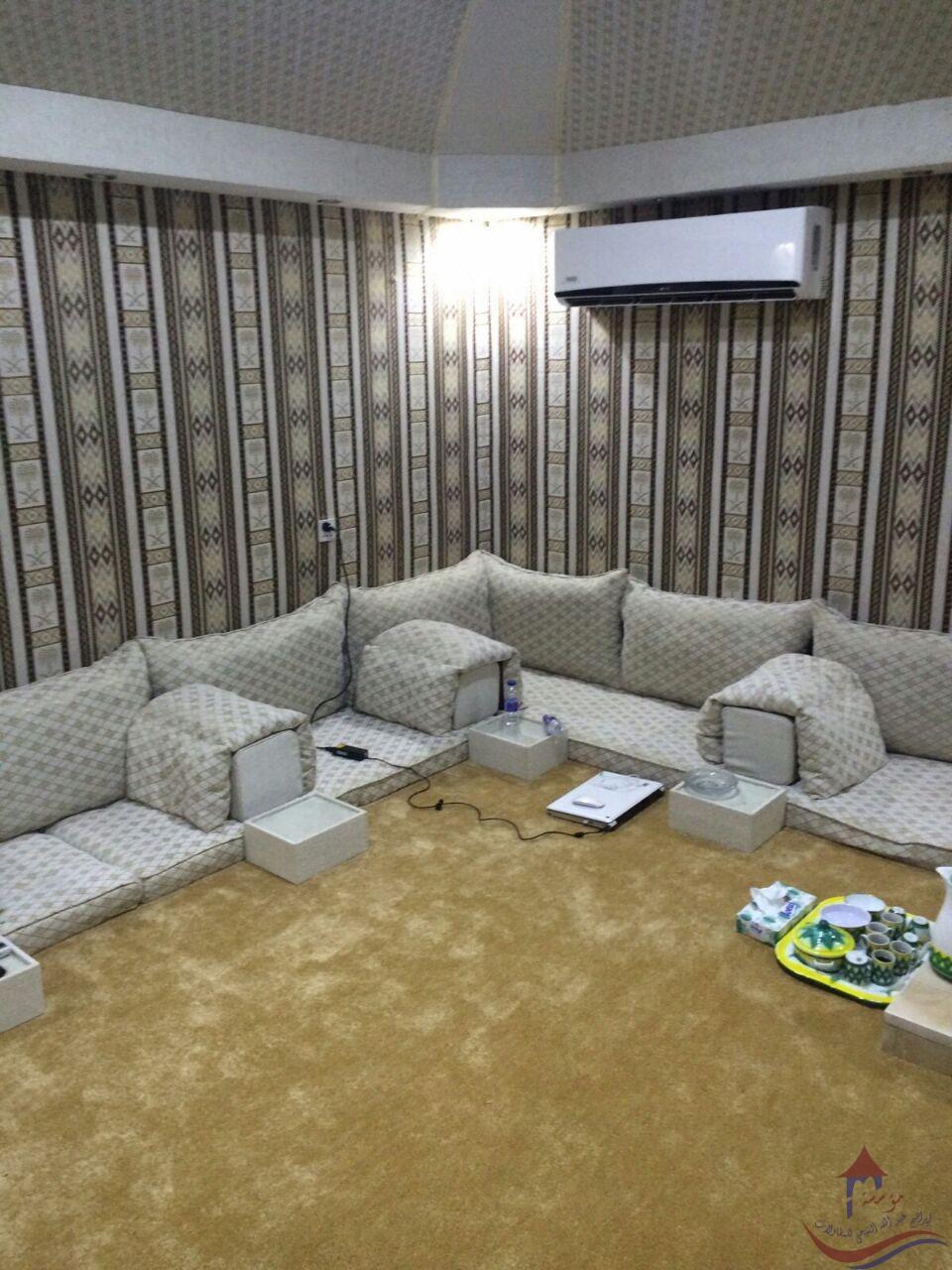 بيوت شعر مجلس عربي